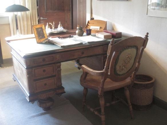 sibelius-desk